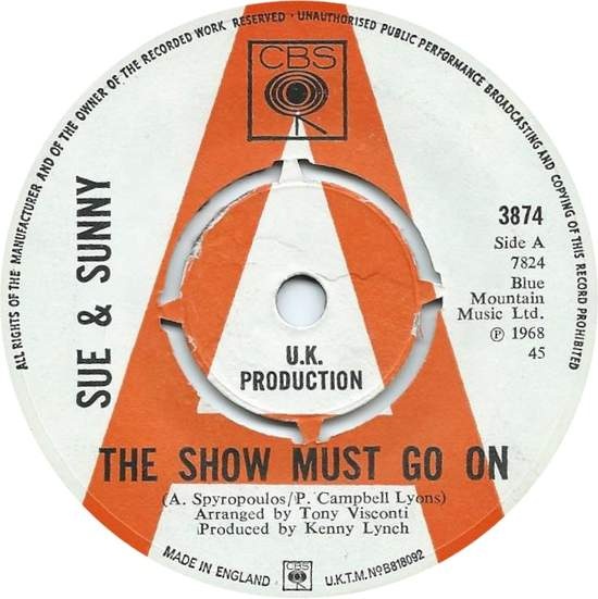 Sue & Sunny - The Show Must Go On - 45