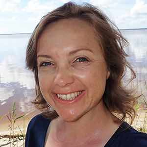Erin Murray - Music to Curator