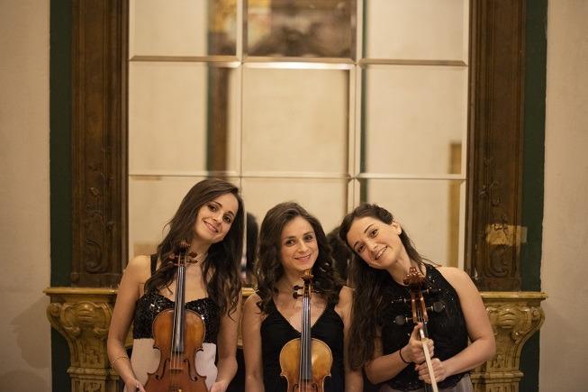 Trio Adelphai in
