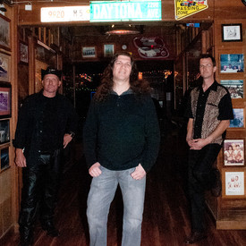 Unpaved highway band photo at kraken