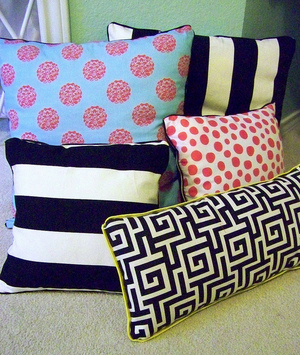 40 Patterns For Easy Homemade Pillows Allfreesewing Com