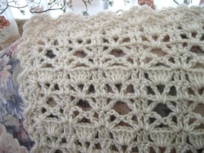 Free Crochet Vintage Afghan Patterns : Vintage Lace Crochet Afghan AllFreeCrochetAfghanPatterns.com