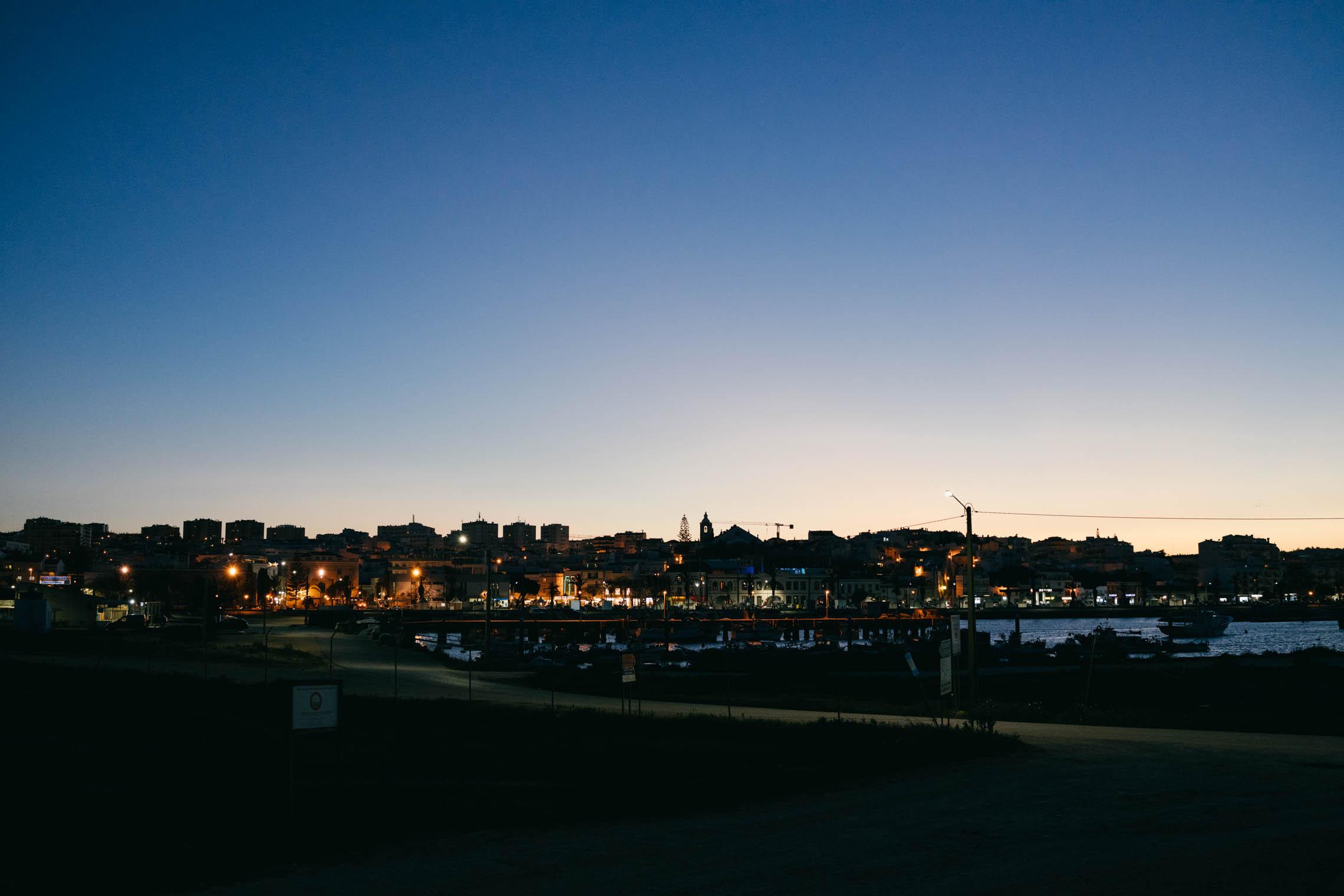 meia-praia-dusk-01@2x