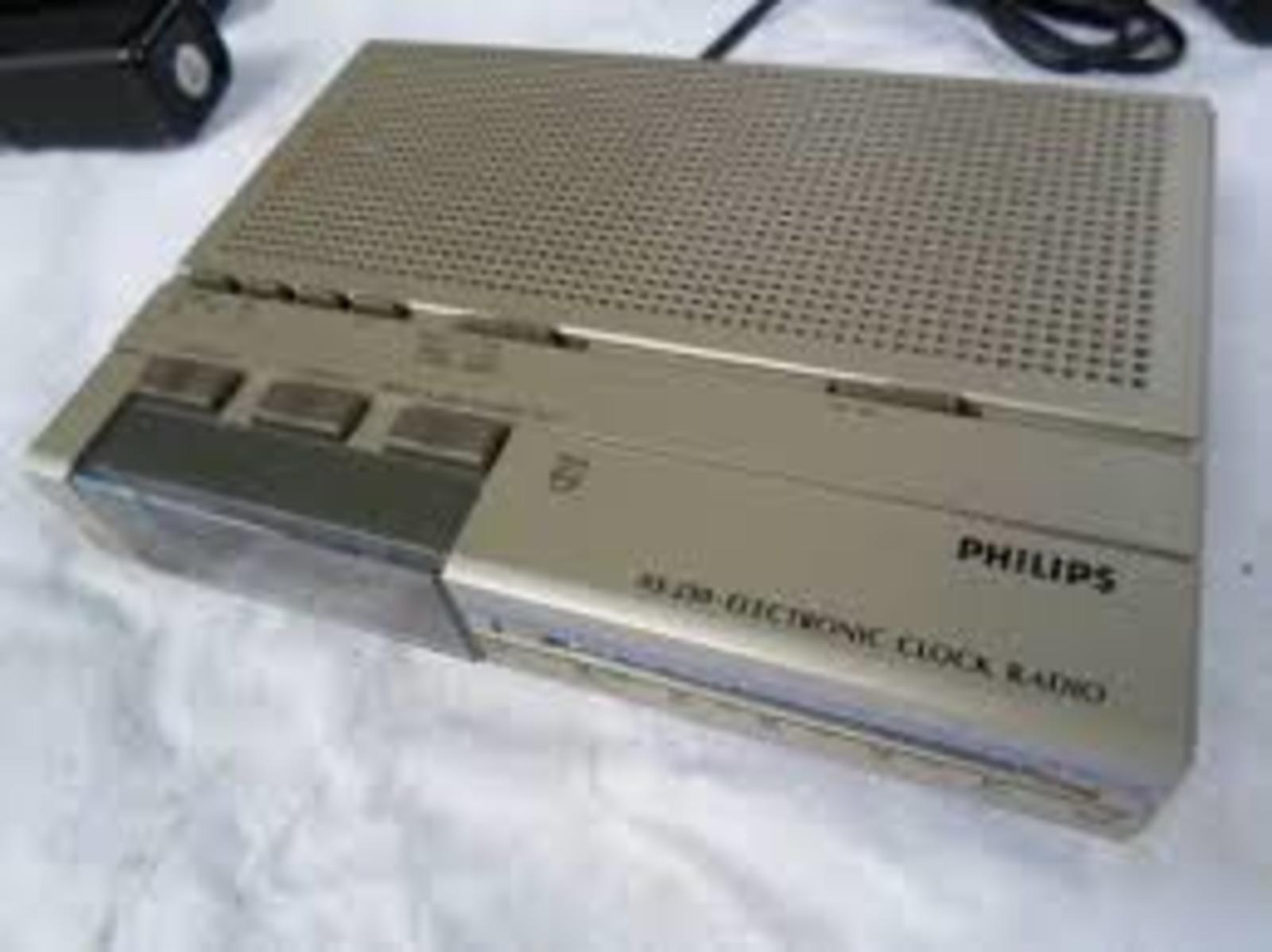 422a40be68b Rádio Relógio Philips AS 230 - Muzeez