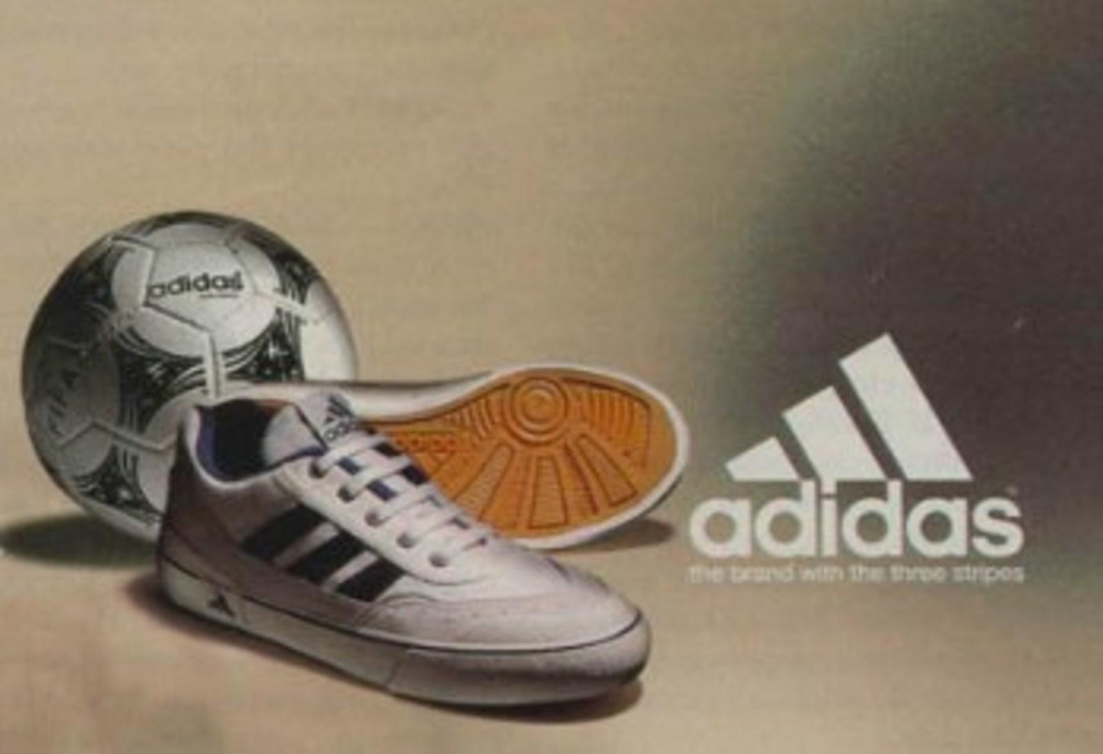 baaf12b22c832 Tênis Adidas (Futsal) - Muzeez