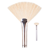 Giella Custom Blend Cosmetics Fan Brush #14