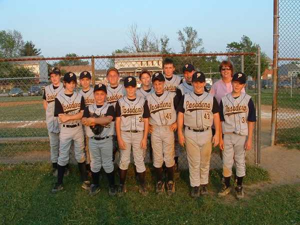 2004.  The 12U Travel Team shows off the Pasadena Eagles new travel uniforms at the Riviera Beach fields.
