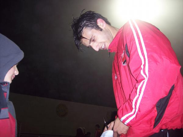 Players & fans alike enjoy the signing.  Yousef Samy was popular with the fans.