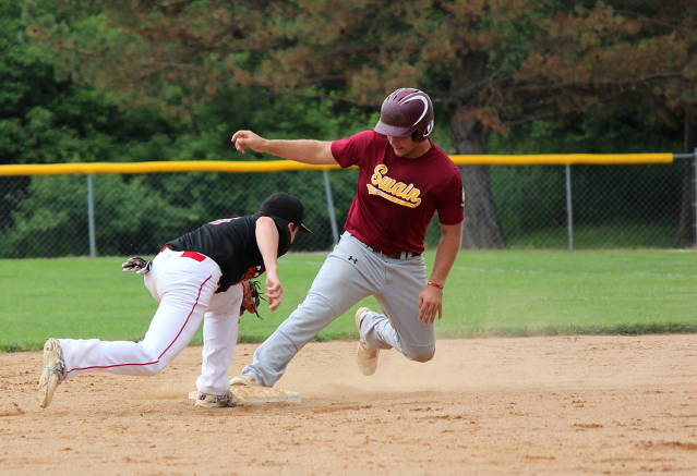 Jake Tyrakoski beats the tag at second