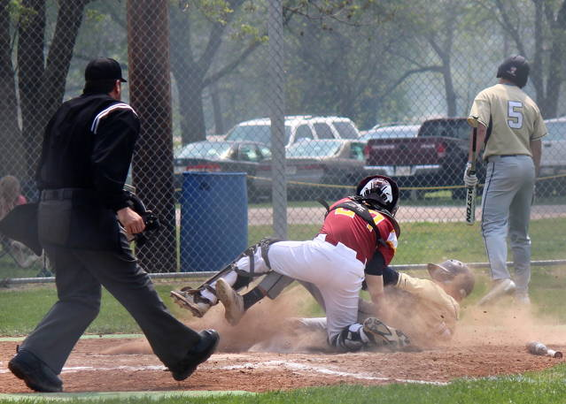 Noah Rheinheimer makes the play at the plate