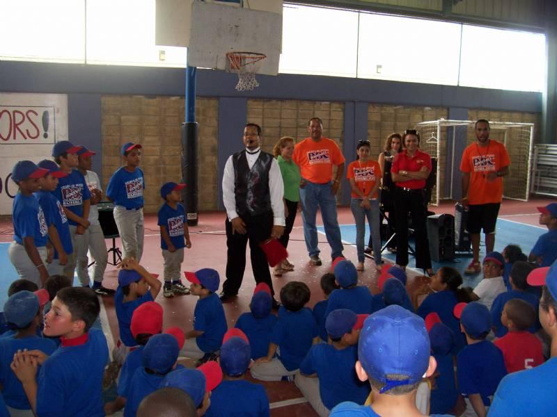 Roosevelt baseball san juan pr powered by for Comedores escolares caba