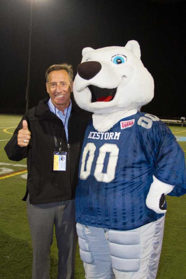 Governor Shumlin giving thumbs-up with Stormy.