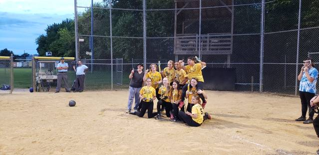 2019 Softball Majors Champs - Yellow