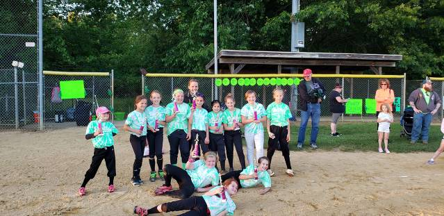 2019 Softball Minors Runners Up - Green