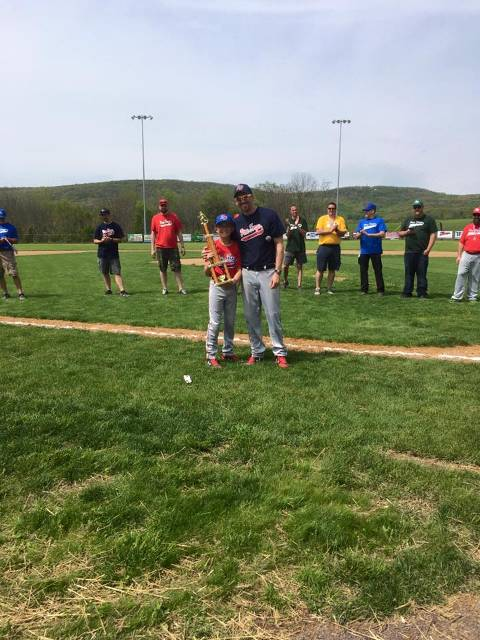 Tyler Hansley receiving his Home Run Derby Trophy