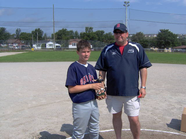 0b9f4f94f PeeWee AAA - Best Defensive Player Chris Kelly with Brian Hunt