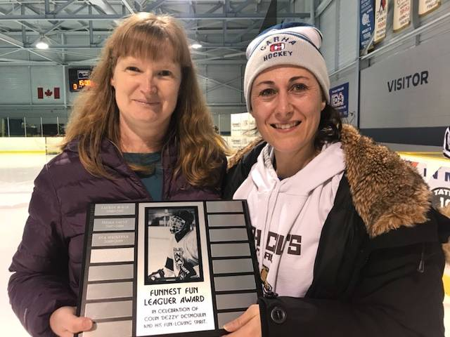 Dezzy Award Winner - Congratulations Toni Nisbet (L) Presented by Sandra Desmoulin (R)