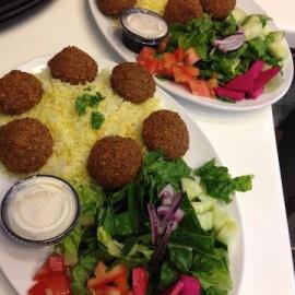 Meatless Monday: Falafel Inn Mediterranean Grill