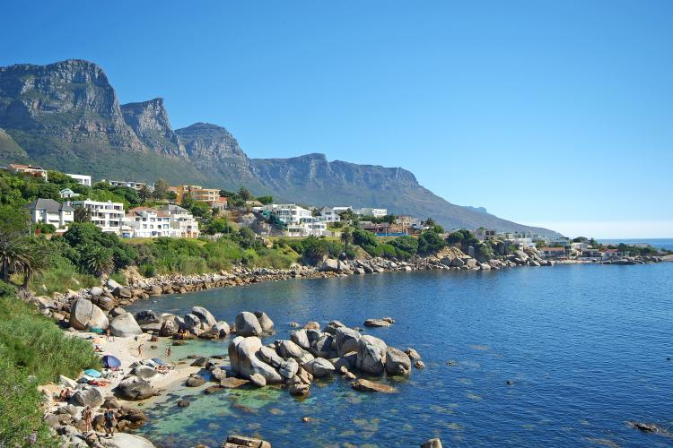 Bingley Place 3-bedroom House in Camps Bay, Cape Town, South Africa