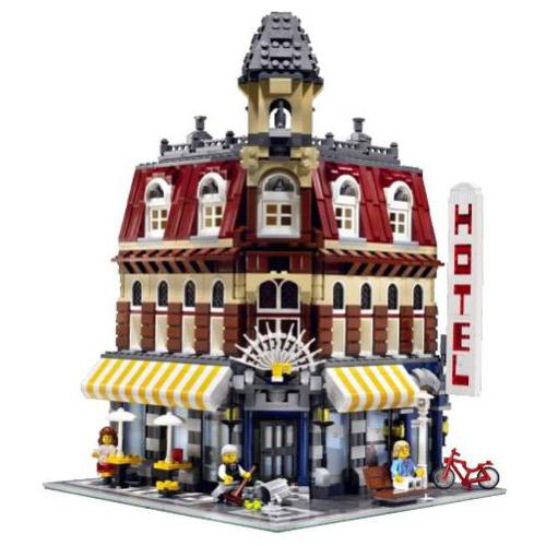 Modular LEGO Cafe Corner