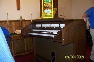 Caton United Methodist Church - Photos - New Allen Organ