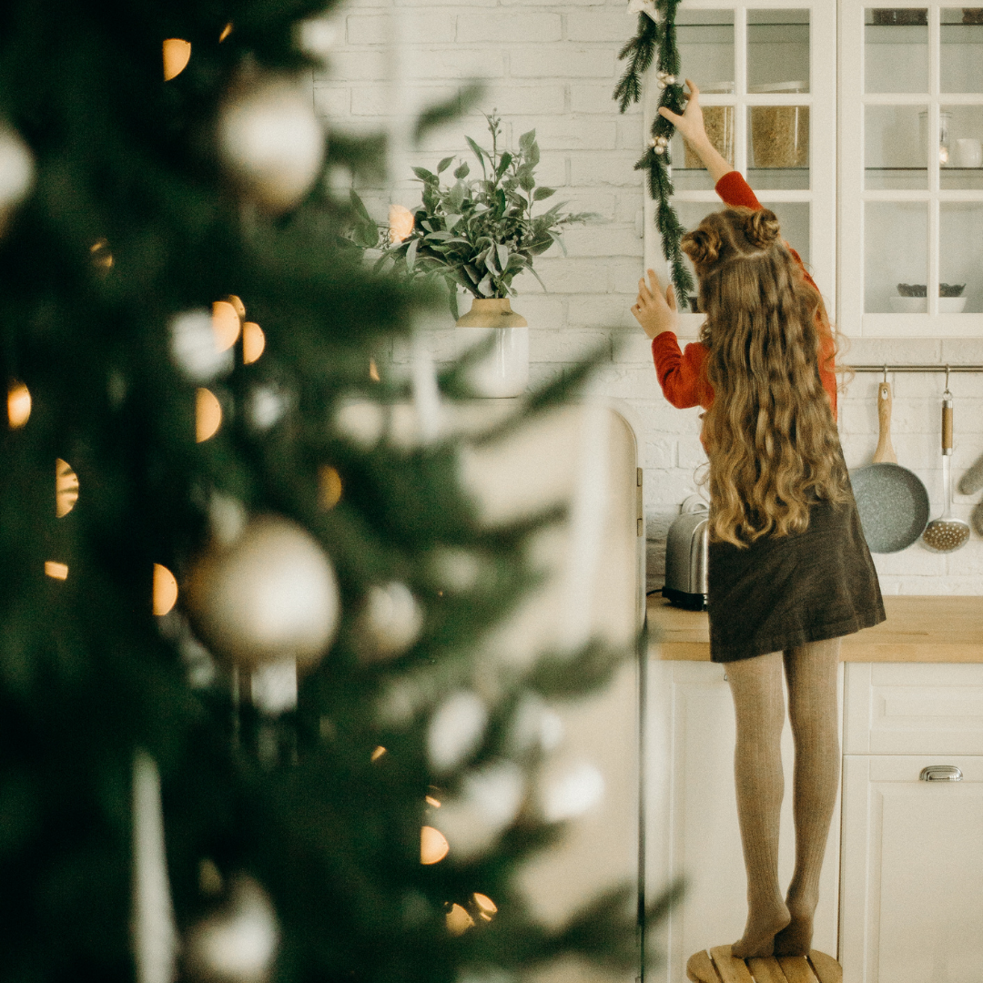Holiday Decorating Photo.png