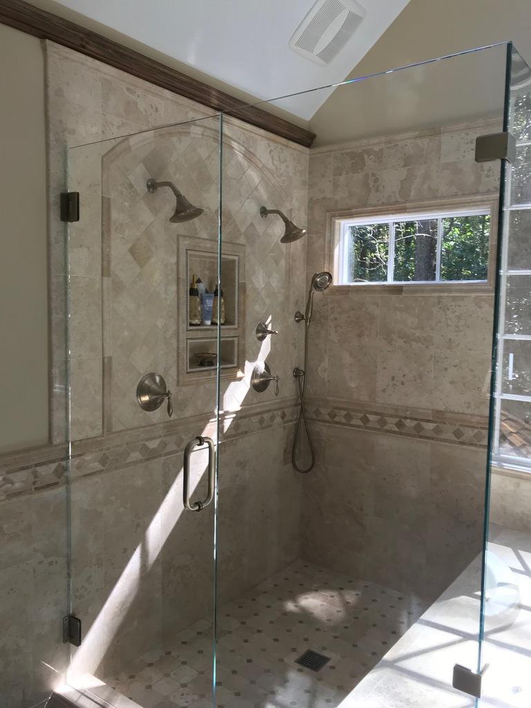 best-limestone-glassed-show-lla-interior-design-marietta-atlanta-buckhead-vinings.jpg