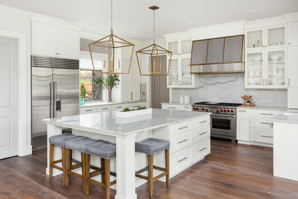 best-white-kitchen-marble-backsplash-metal-and-brass-custom-hood-lla-interior-design-marietta-buckhead-atlanta.jpg