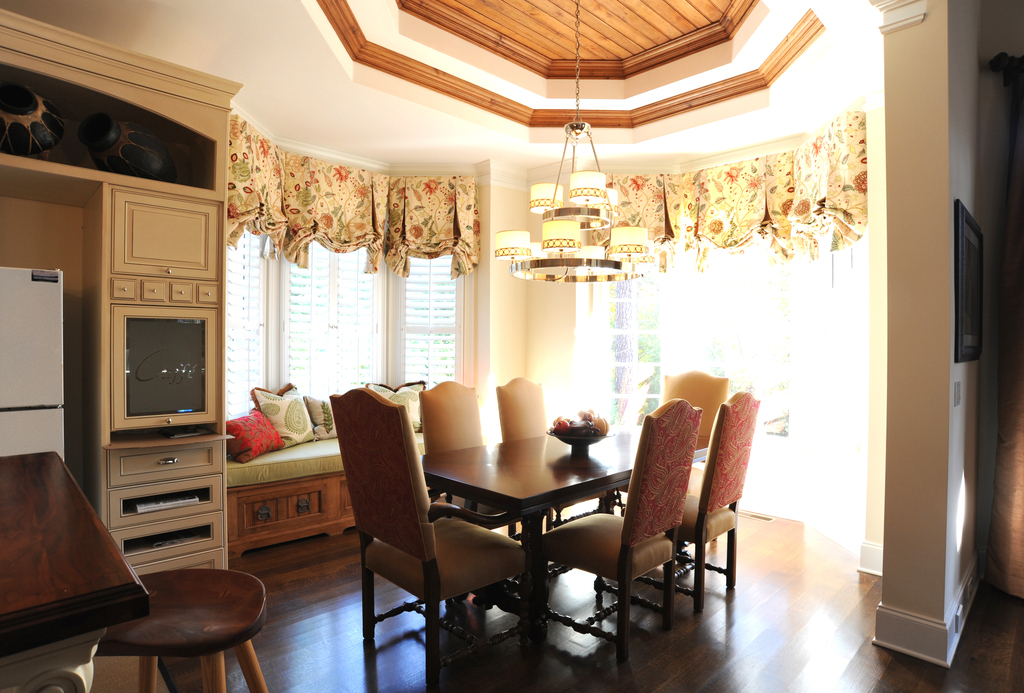 chastain-kitchen-wood-ceiling-custom-london-shades-lladesign-atlanta-marietta-kitchen-design.jpg