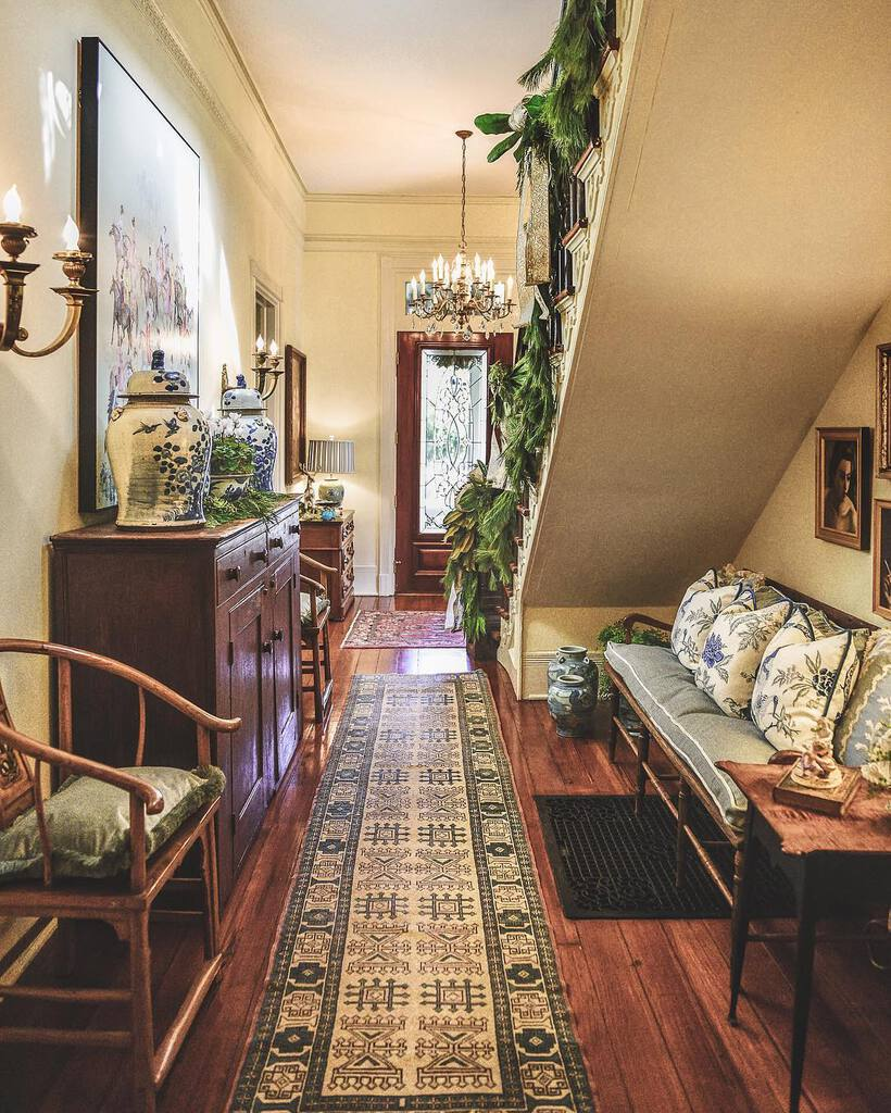 historic-hoome-interior-design-old-marietta-lla-design-foyer-antiques.jpg