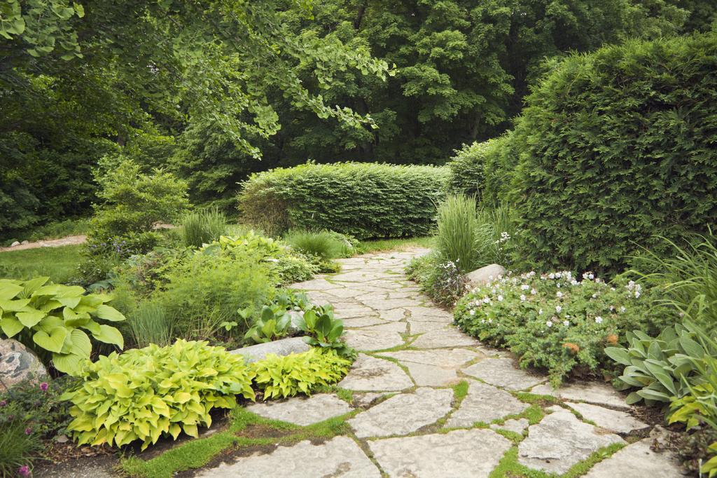 landscape-blaydes-marietta-garden-path-hardscapes.jpg