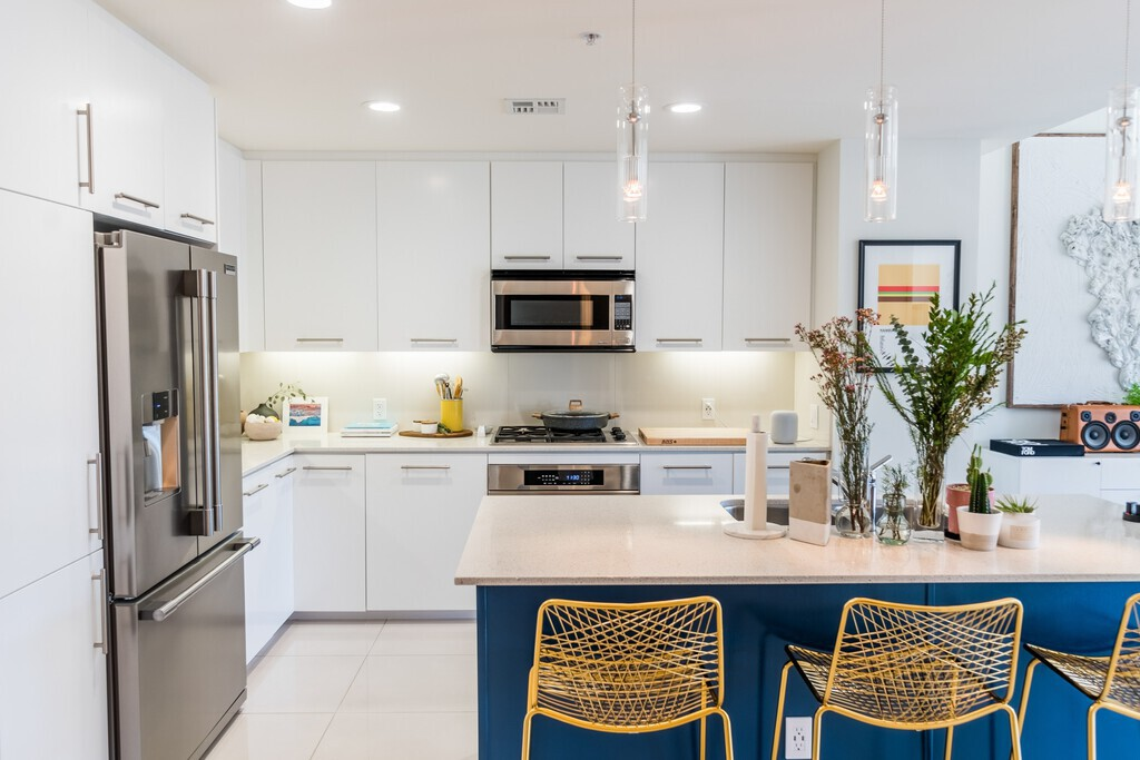white-cabinet-modern-urban-minimalist-kitchen-blue-island-kitchen-design-lladesigns-atlanta-marietta.jpg