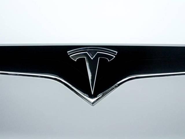 2018 Tesla Model X 5YJXCBE22JF089598