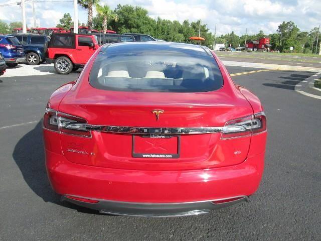 2014 Tesla Model S 5YJSA1H11EFP58821