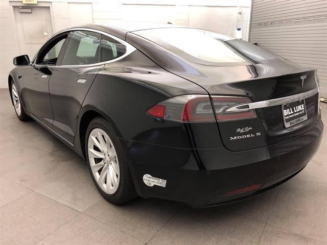 2017 Tesla Model S 5YJSA1E15HF202438