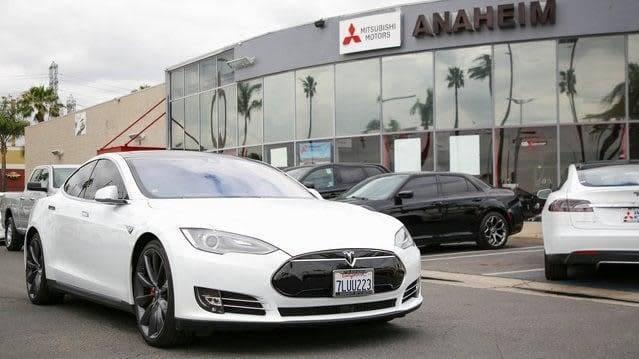 2015 Tesla Model S 5YJSA1H45FF085978