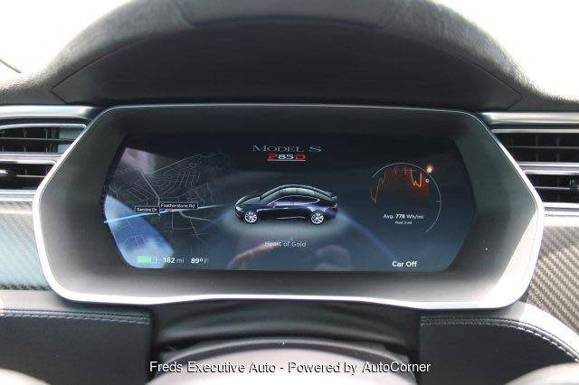2015 Tesla Model S 5YJSA1H48FF083903