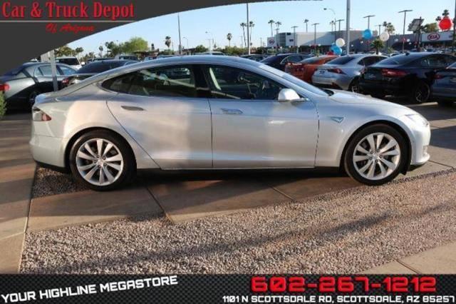 2015 Tesla Model S 5YJSA1H29FF080961