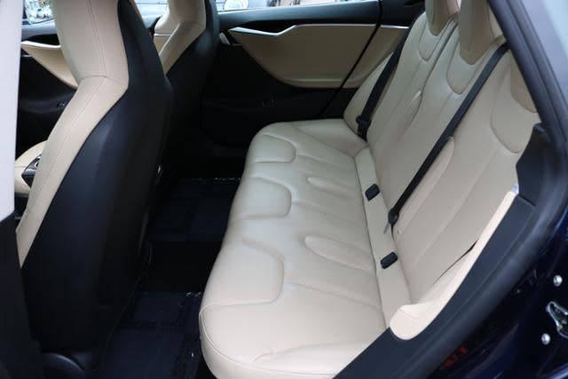 2015 Tesla Model S 5YJSA1H11FFP69688