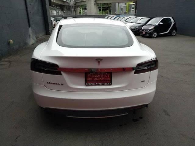 2015 Tesla Model S 5YJSA1H10FF081164