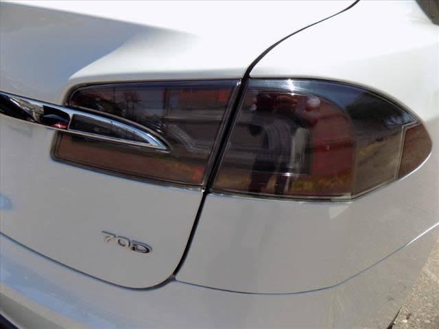 2015 Tesla Model S 5YJSA1S21FF090618