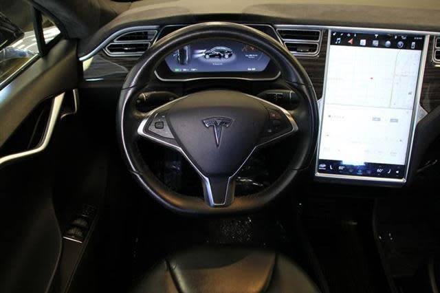2015 Tesla Model S 5YJSA1H18FF083115