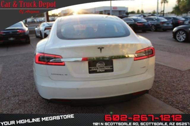 2015 Tesla Model S 5YJSA1S21FF092627