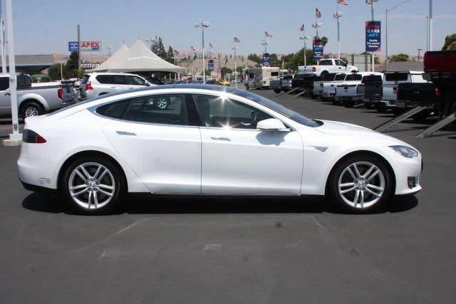 2015 Tesla Model S 5YJSA1S29FF088034