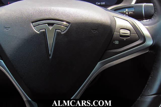 2015 Tesla Model S 5YJSA1S22FF085136