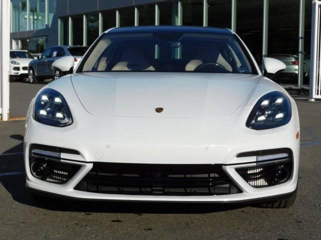 2018 Porsche Panamera WP0AH2A77JL145623
