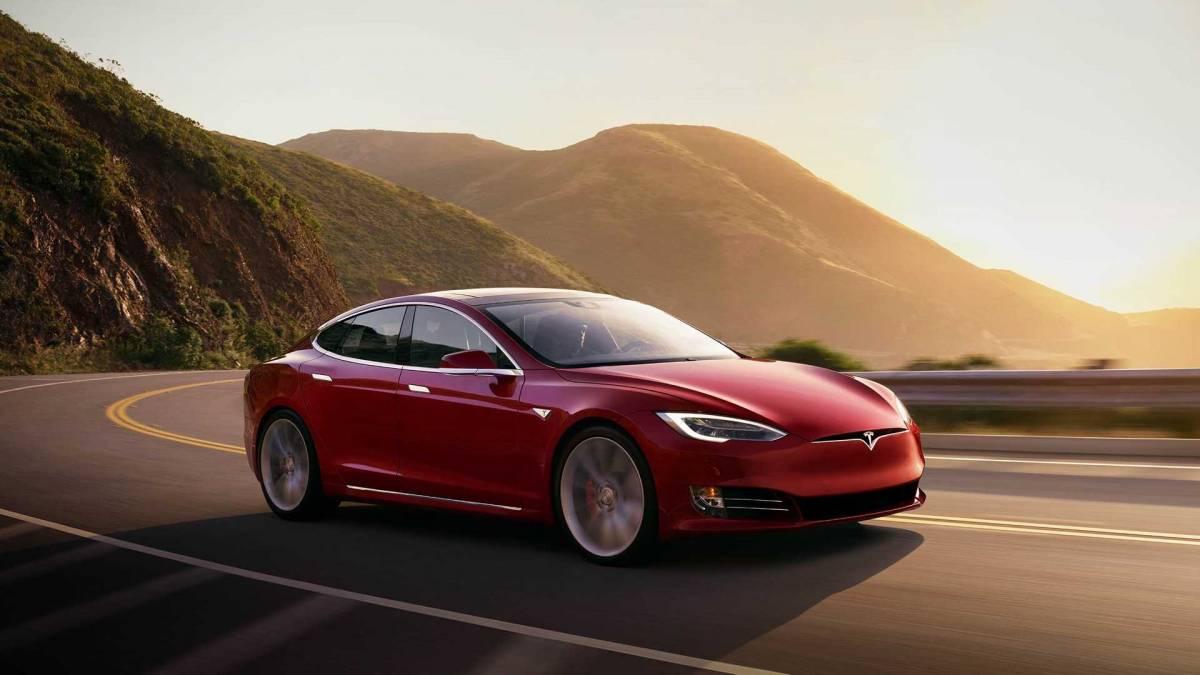 1. Tesla Model S: 335 miles