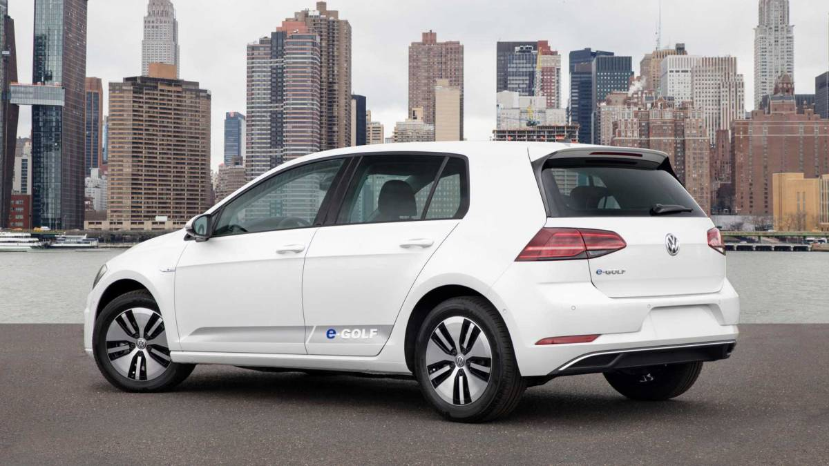 7. Volkswagen e-Golf