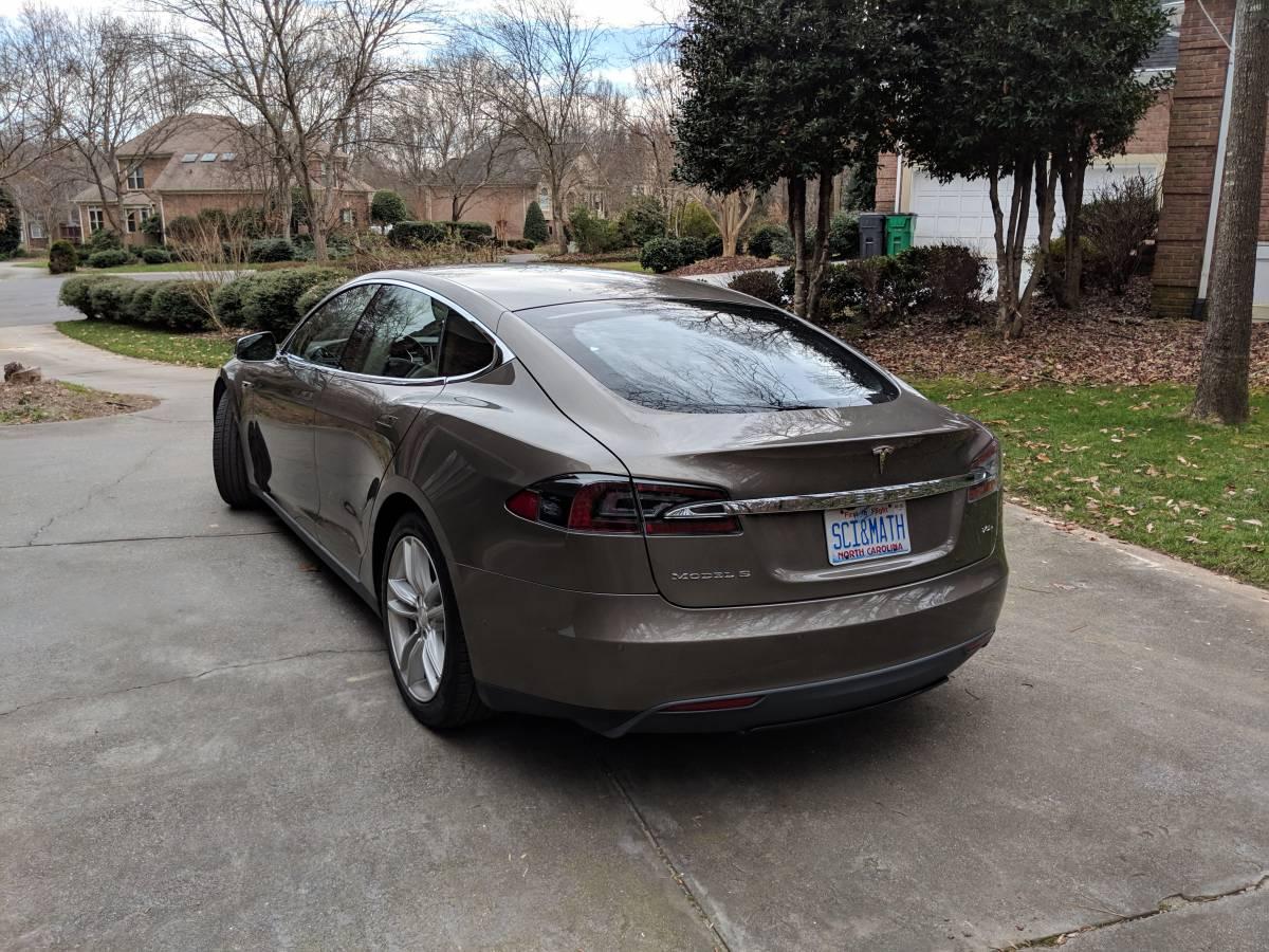 2016 Tesla Model S 5YJSA1E20GF121953