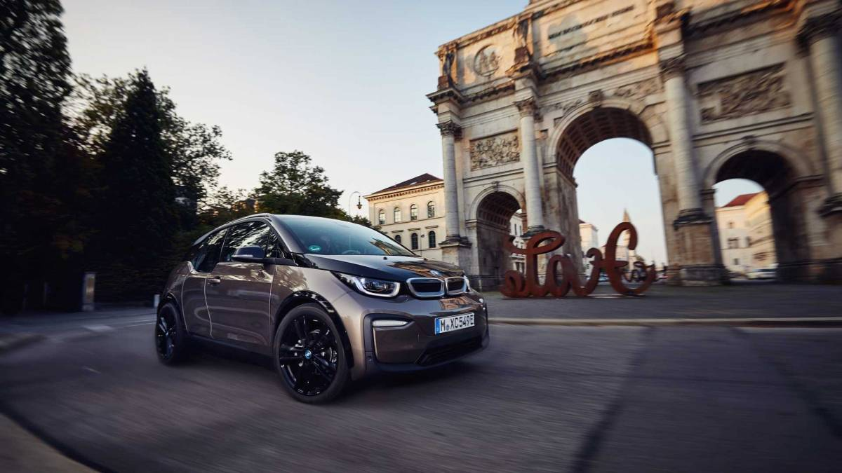7. BMW i3